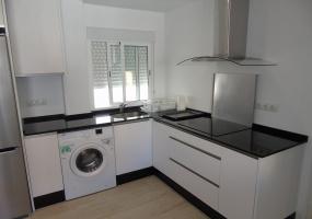 Los Boliches, Fuengirola, 4 Bedrooms Bedrooms, ,2 BathroomsBathrooms,Huoneisto,Vuokrataan,1022
